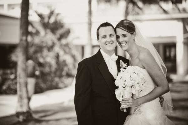 botanicals-on-the-gulf-florida-florist-wedding-flowers-florals-beach-naples-couple