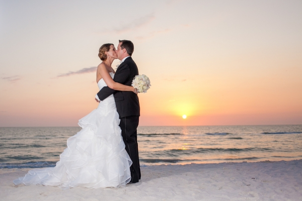 botanicals-on-the-gulf-florida-florist-wedding-flowers-florals-beach-naples-sunset