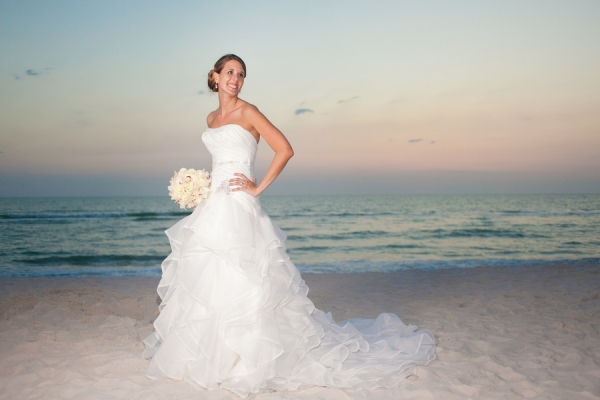 botanicals-on-the-gulf-florida-florist-wedding-flowers-florals-beach-naples-bride-sunset