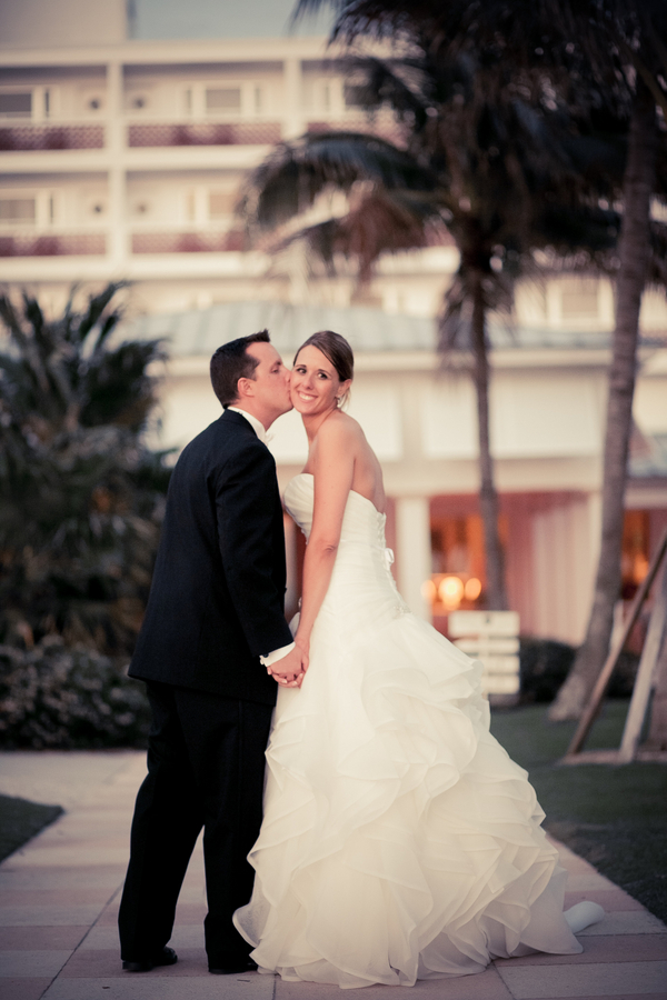 botanicals-on-the-gulf-florida-florist-wedding-flowers-florals-beach-naples-couple-sunset