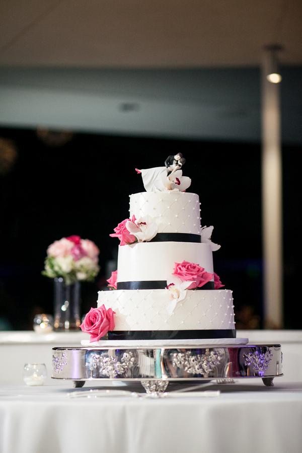 botanicals-on-the-gulf-florida-florist-wedding-flowers-florals-beach-naples-cake