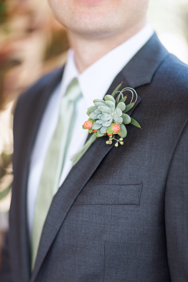 botanicals-on-the-gulf-naples-florida-destination-wedding-flowers-hunter-ryan-photo-groom