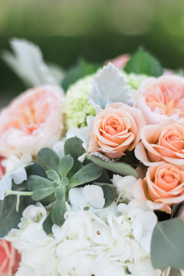 botanicals-on-the-gulf-naples-florida-destination-wedding-flowers-hunter-ryan-photo-peach-florals