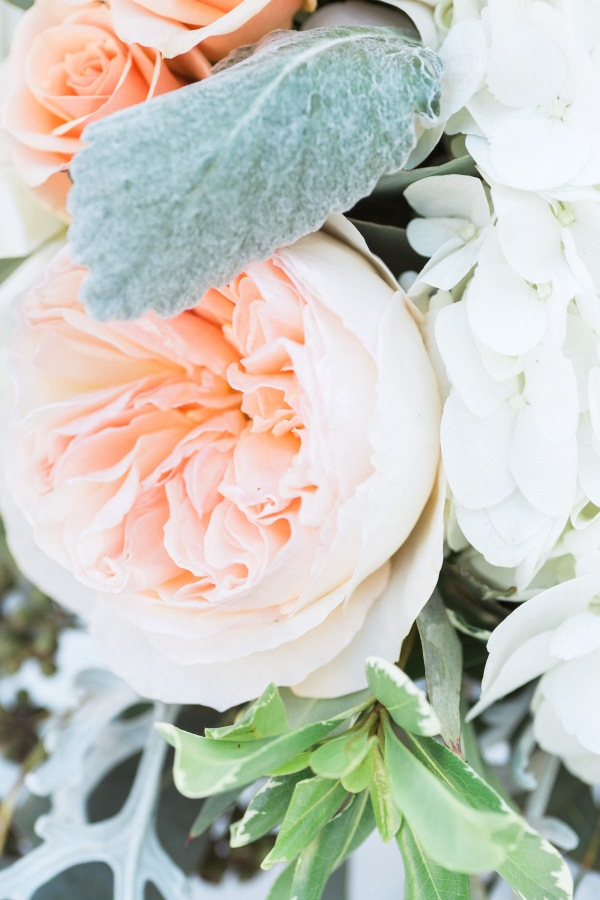 botanicals-on-the-gulf-naples-florida-destination-wedding-flowers-hunter-ryan-photo-reception-florals-peach