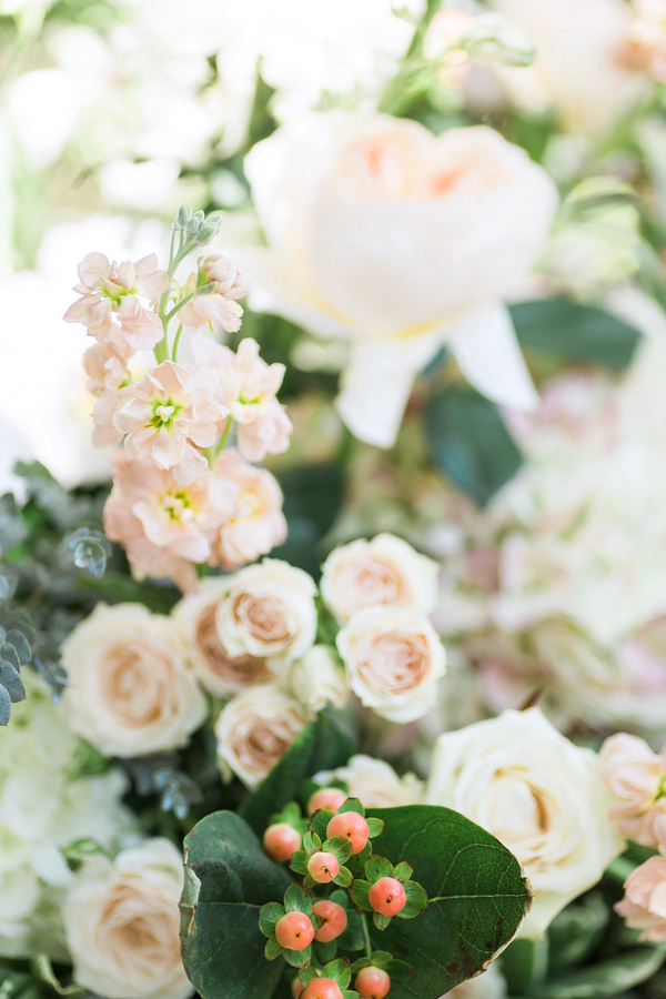 botanicals-on-the-gulf-naples-florida-destination-wedding-flowers-hunter-ryan-photo-flowers