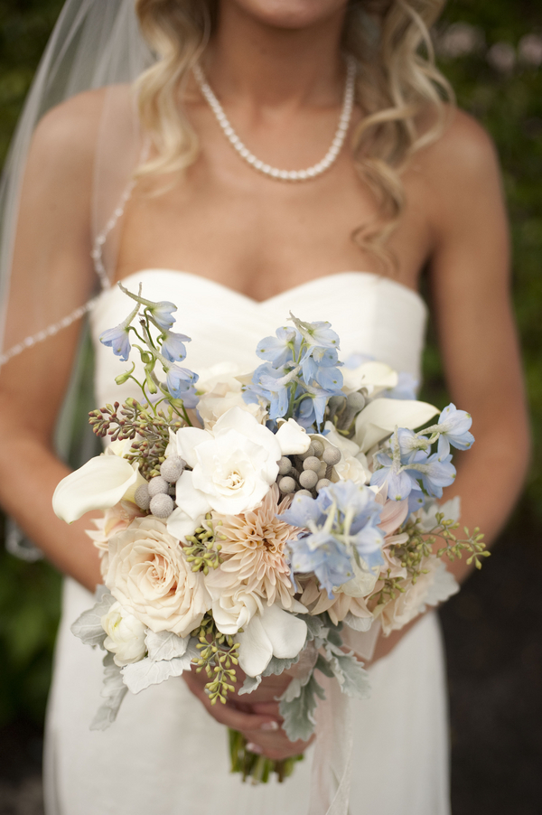 botanicals-on-th-gulf-naples-estero-florida-florist-wedding-flowers-stephanie-a-smith-photography-bride-bouquet