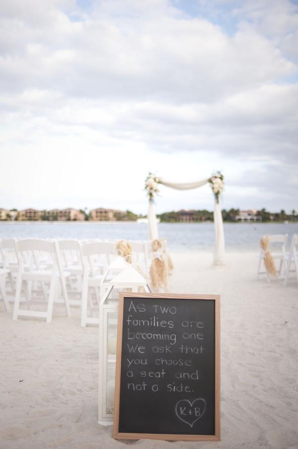 botanicals-on-th-gulf-naples-estero-florida-florist-wedding-flowers-stephanie-a-smith-photography-ceremony-beach