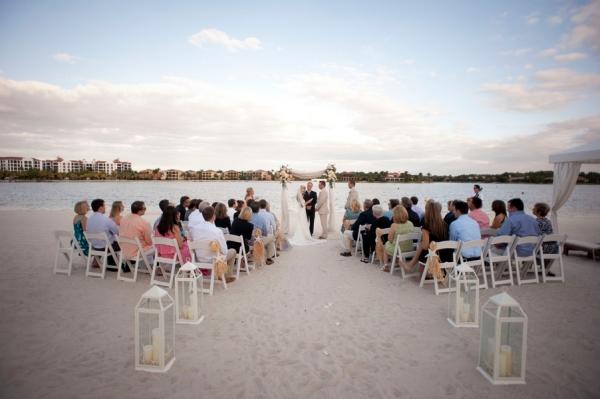 botanicals-on-th-gulf-naples-estero-florida-florist-wedding-flowers-stephanie-a-smith-photography-ceremony-beach-miromar