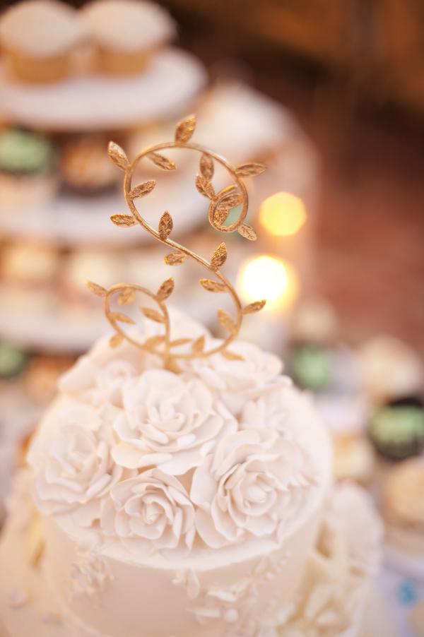 botanicals-on-th-gulf-naples-estero-florida-florist-wedding-flowers-stephanie-a-smith-photography-cake-florals