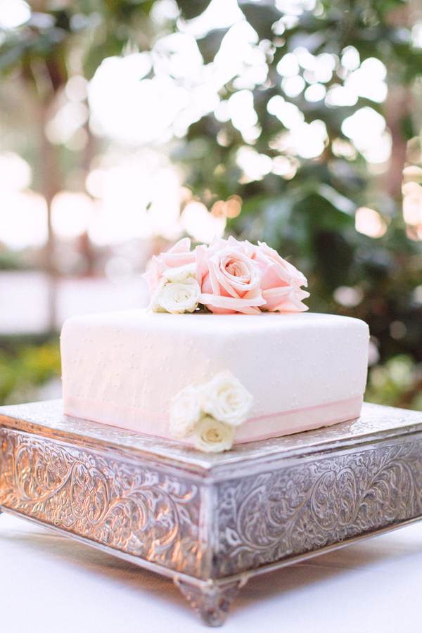 botanicals-on-the-gulf-hunter-ryan-photography-marco-island-mariott-wedding-beach-cake-reception