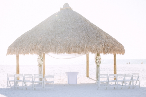 botanicals-on-the-gulf-hunter-ryan-photography-marco-island-mariott-wedding-beach-chicki-hut