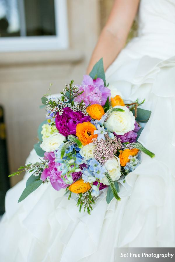 botanicals-on-the-gulf-florida-naples-wedding-florist-flowers-florals-set-free-photography-bouquet-jewel-tones
