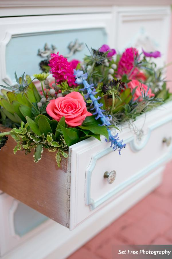 botanicals-on-the-gulf-florida-naples-wedding-florist-flowers-florals-set-free-photography-outdoor-hutch