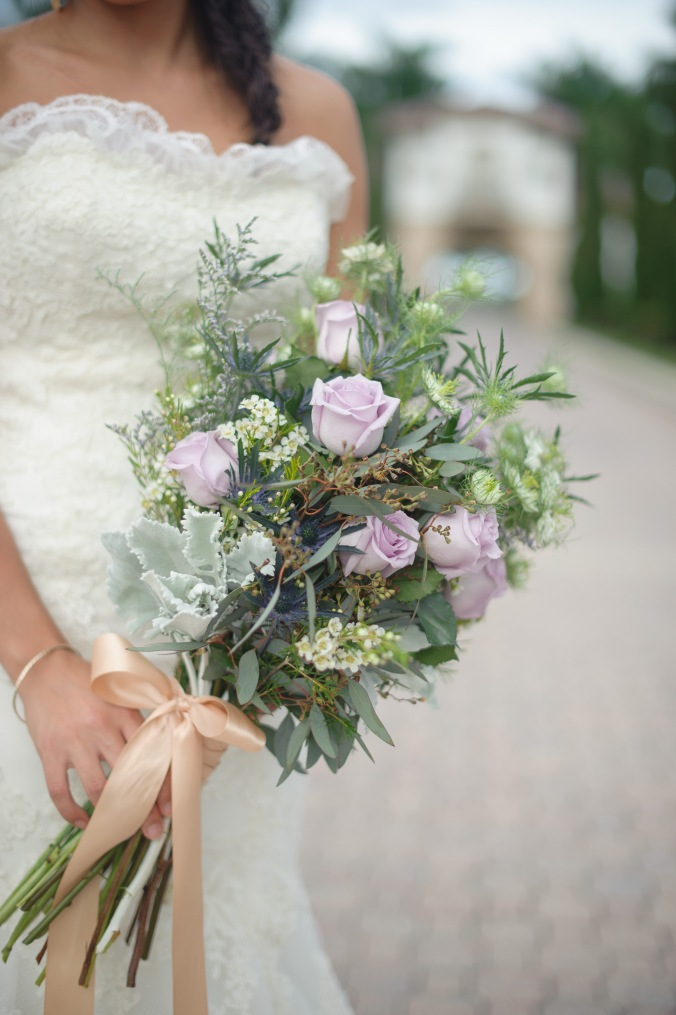 botanicals-on-the-gulf-styled-shoot-luminaire-foto-jet-set-wed-florida-miromar-lakes-bouquet-florals