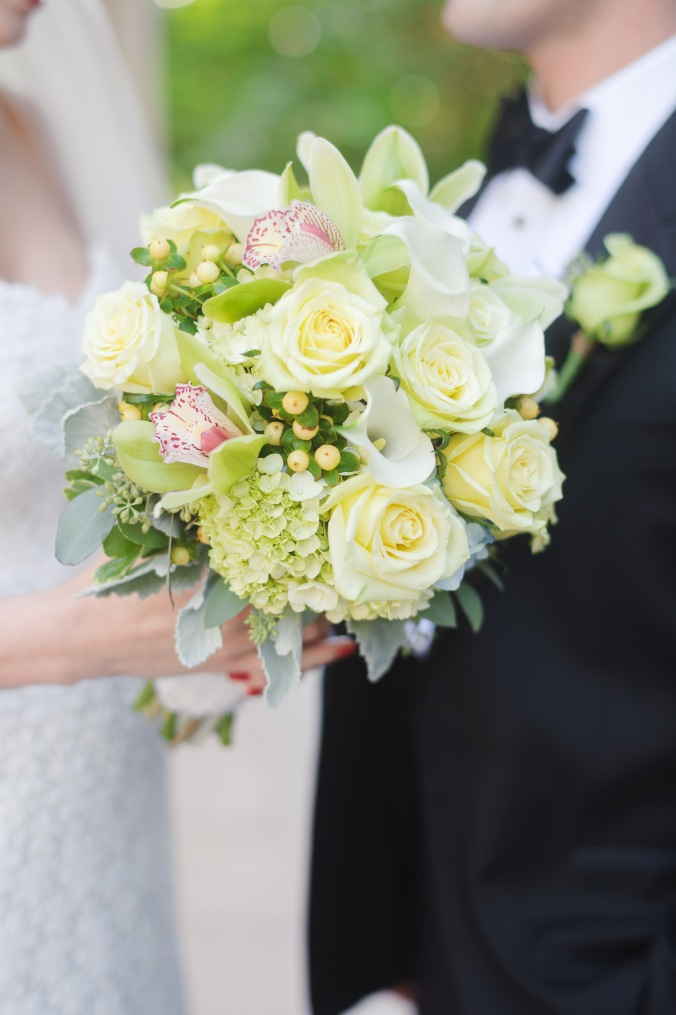 botanicals-on-the-gulf-florida-destination-wedding-flowers-marco-island-luminaire-foto-flowers-bouquet