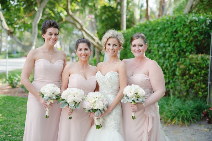 botanicals-on-the-gulf-florida-wedding-luminaire-foto-la-playa-naples-bridesmaids