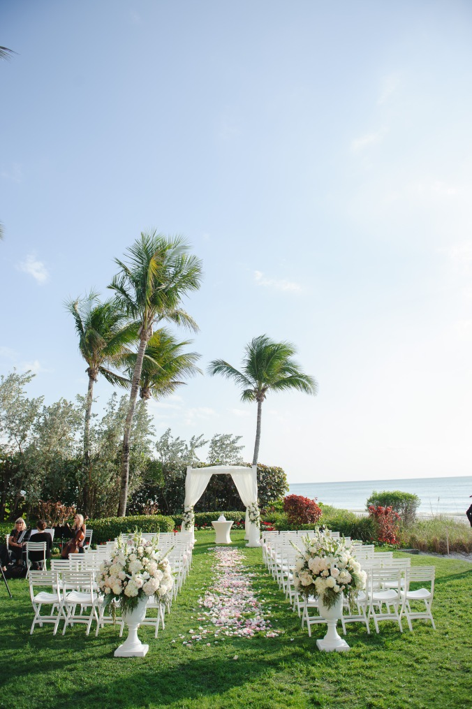 botanicals-on-the-gulf-florida-wedding-luminaire-foto-la-playa-naples-ceremony-outdoor