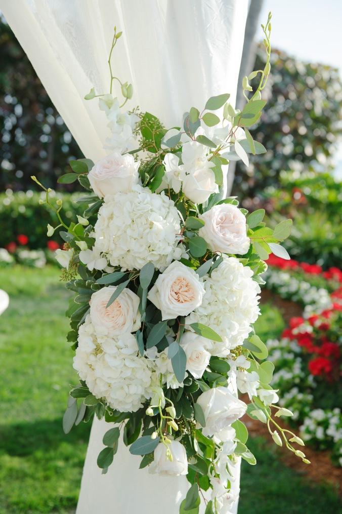 botanicals-on-the-gulf-florida-wedding-luminaire-foto-la-playa-naples-details-florals
