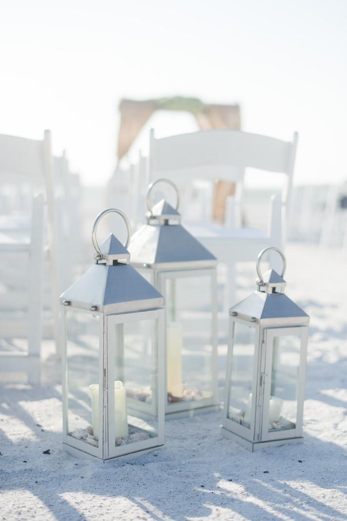 botanicals-on-the-gulf-florida-destination-wedding-flowers-marco-island-luminaire-foto-lanterns