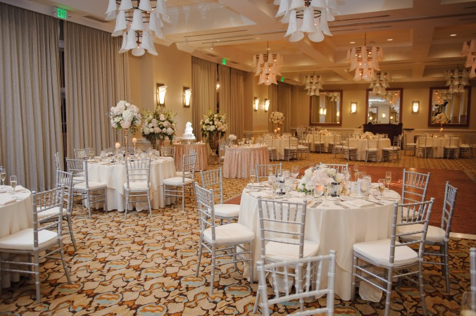 botanicals-on-the-gulf-florida-wedding-luminaire-foto-la-playa-naples-reception-ballroom