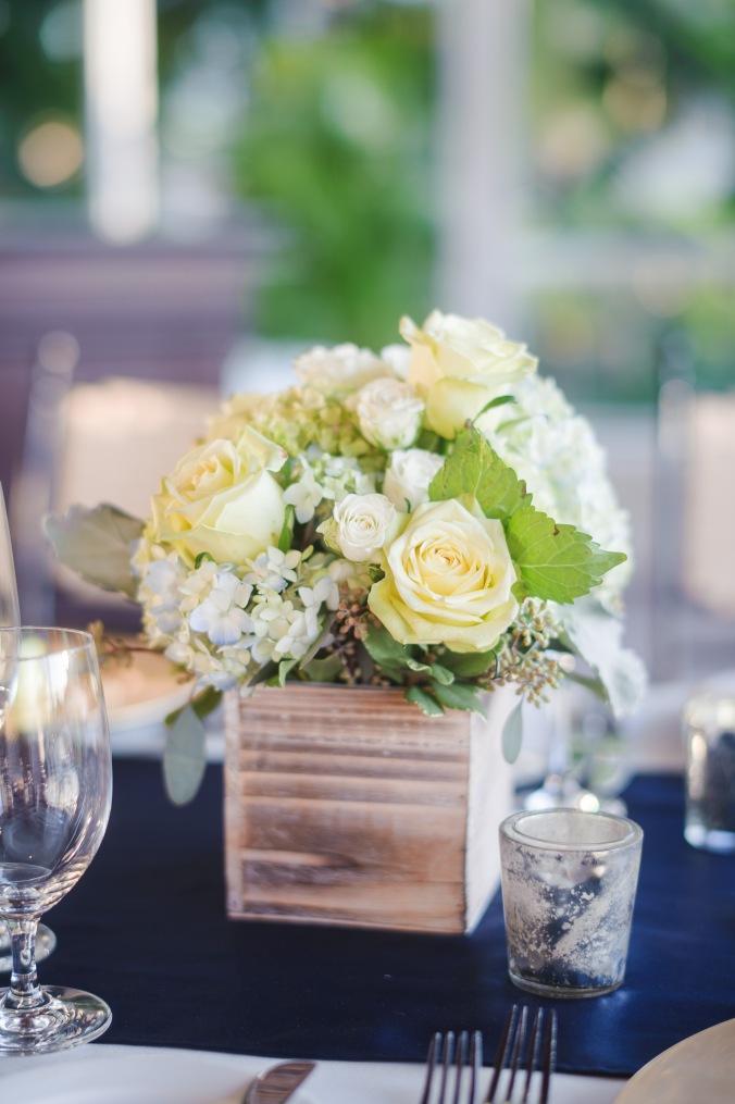 botanicals-on-the-gulf-florida-destination-wedding-flowers-marco-island-luminaire-foto-detail-reception