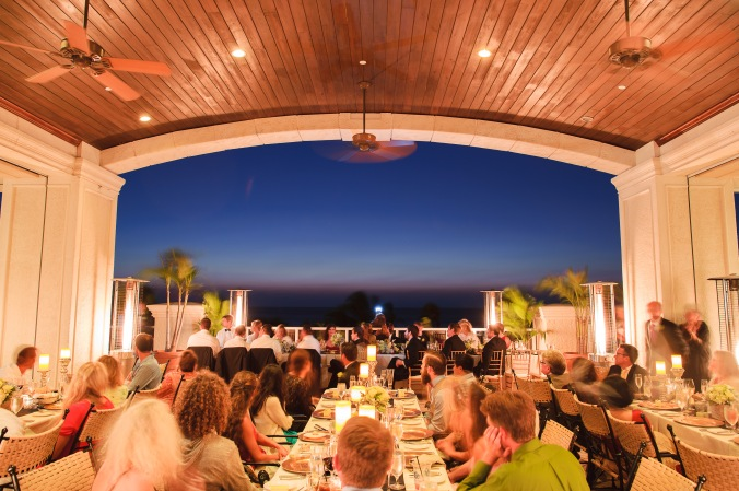botanicals-on-the-gulf-florida-destination-wedding-flowers-marco-island-luminaire-foto-night-reception-outside