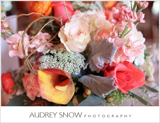 botanicals-on-the-gulf-florida-wedding-audrey-snow-photography-mediterra-flowers-detail-reception
