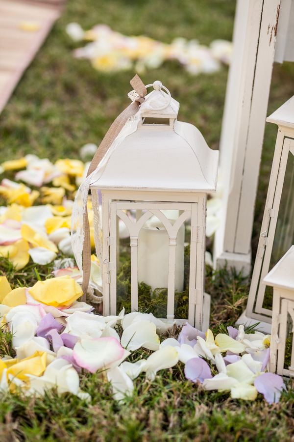 botanicals-on-the-gulf-flowers-jamie-lee-photography-florida-wedding-destination-ceremony-detail-lantern