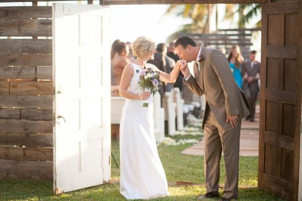 botanicals-on-the-gulf-flowers-jamie-lee-photography-florida-wedding-destination-bride-groom-couple