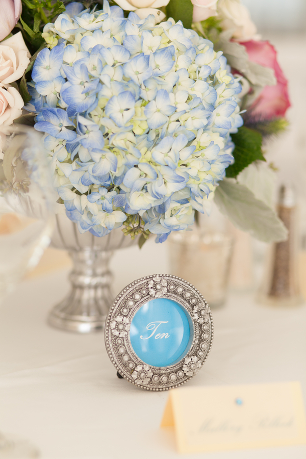 botanicals-on-the-gulf-flowers-jamie-lee-photography-florida-wedding-destination-reception-details