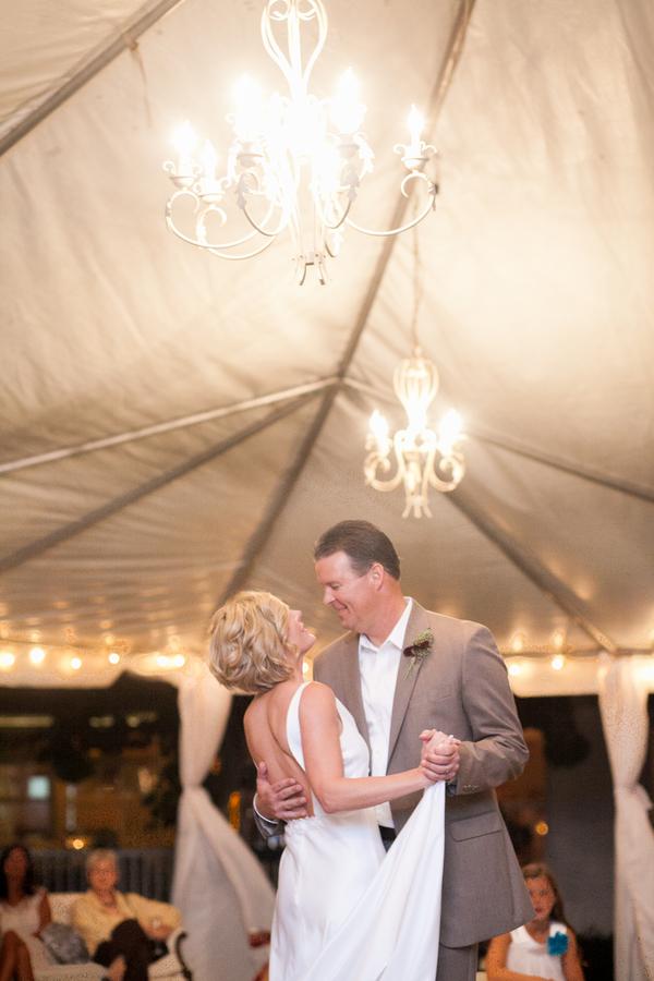 botanicals-on-the-gulf-flowers-jamie-lee-photography-florida-wedding-destination-first-dance