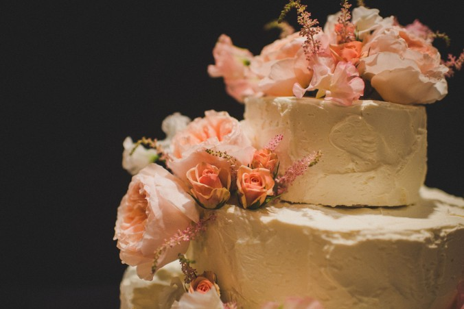 botanicals-on-the-gulf-florida-wedding-flowers-naples-swfl-trenholm-photo-cake-detail