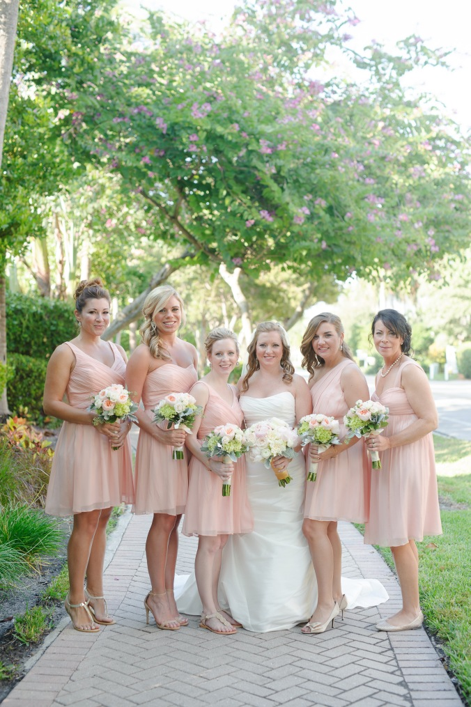 botanicals-on-the-gulf-florida-flowers-naples-wedding-destination-luminaire-foto-bridesmaids-bouquets