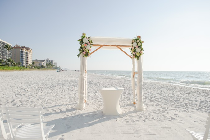 botanicals-on-the-gulf-florida-flowers-naples-wedding-destination-luminaire-foto-ceremony