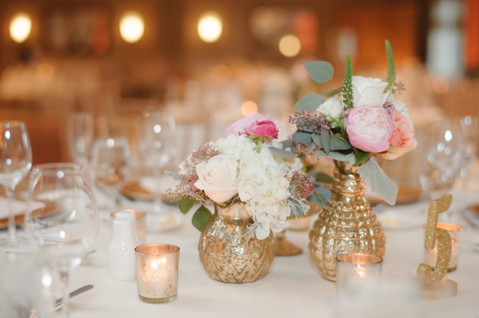 botanicals-on-the-gulf-florida-flowers-naples-wedding-destination-luminaire-foto-reception-flowers