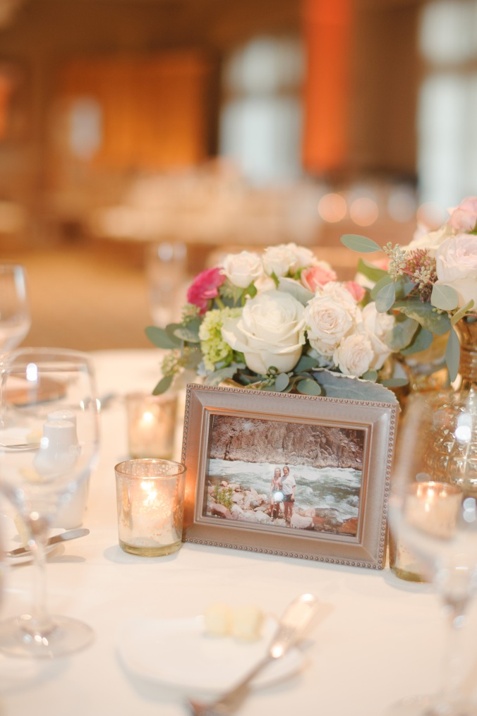 botanicals-on-the-gulf-florida-flowers-naples-wedding-destination-luminaire-foto-reception-details